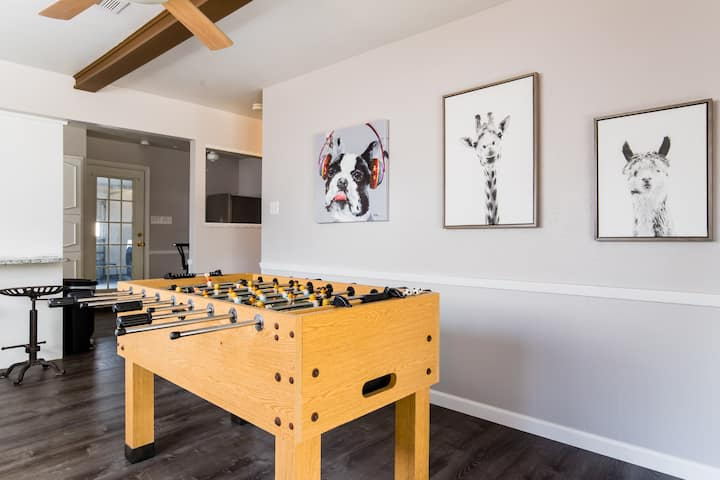 Perfect for Groups Game Room-WALK TO AT&T STADIUM!