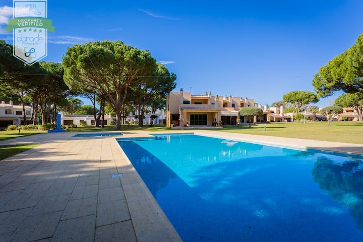Charming Villa @ Vilamoura Tenis with Patio&BBQ