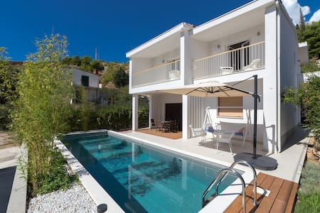 Villa Bamboo with private pool - Duće