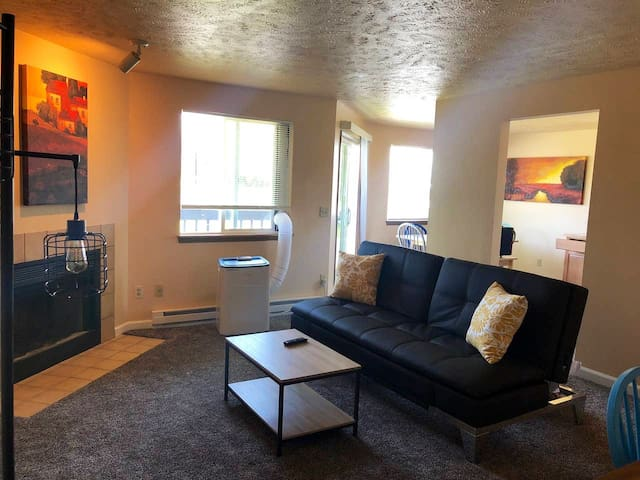 Vibrant Spokane Valley 2 Bedroom Apartment