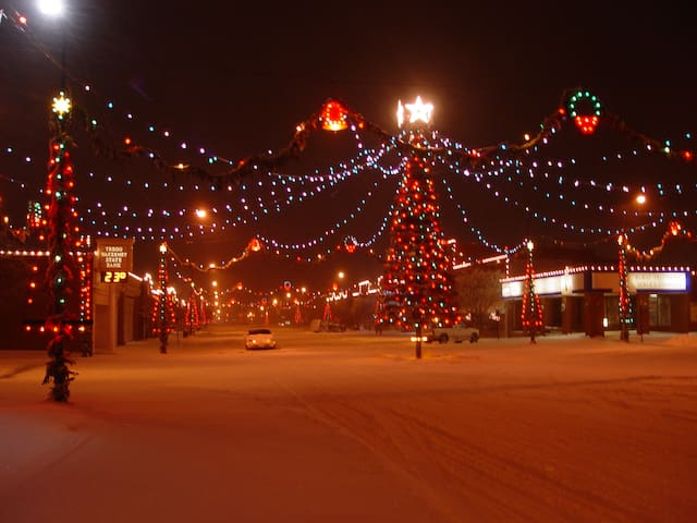 It's the Christmas season in the 'Christmas City'.  Make reservations at the Cottage in WaKeeney and view the tree from your front porch.  The Saturday following Thanksgiving till the first of January.
