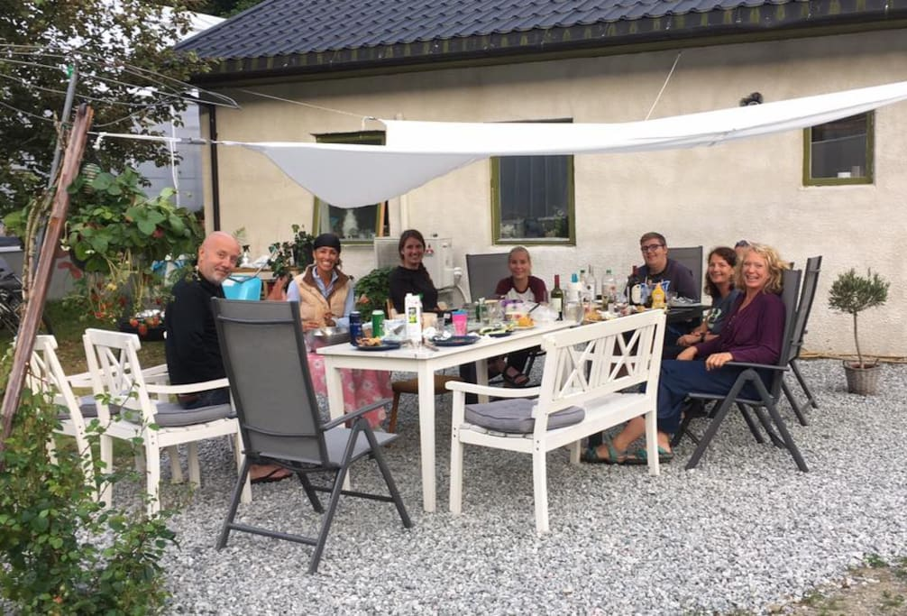 Garden space for barbecuing and social life.