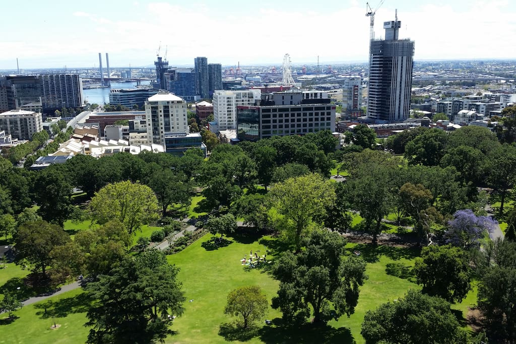 Amazing views out over Flagstaff Gardens, with Yarra River, Bolte Bridge and Melbourne Observation Wheel in the background.