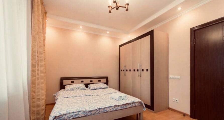 Cozy room next to Ritz Cartlon - Отдельная комната
