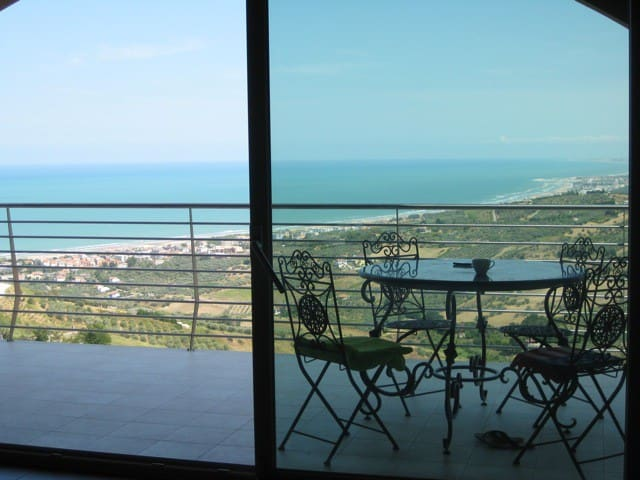 BEAUTIFUL APARTMENT WITH A VIEW ON THE OCEAN - Vasto - Lägenhet