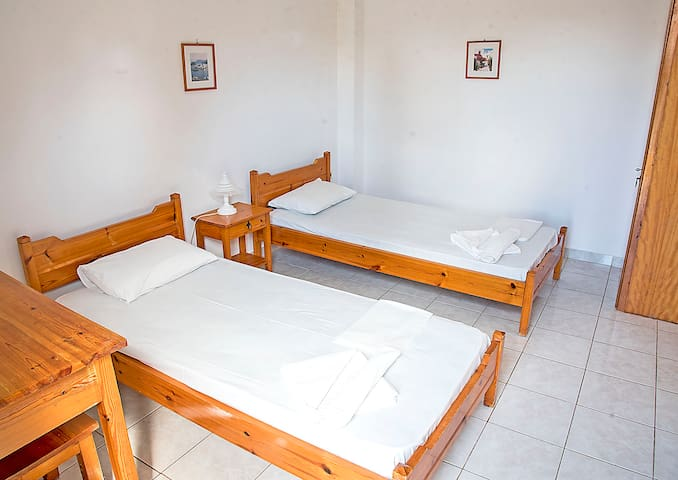 Villa Spring (x2) 2 minutes from the Beach - Agios Georgios Pagon