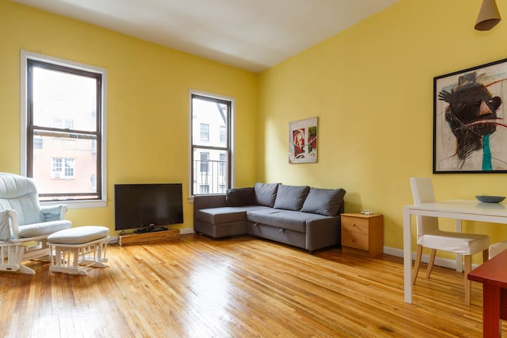 Chelsea 1-Bedroom Bright, High Ceilings - New York - Apartment