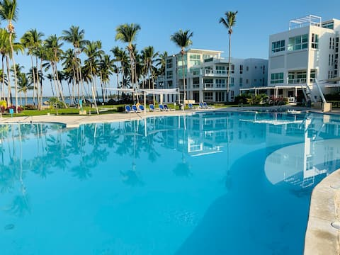 ME VACATION| Amazing Apt. in Beach Front Condo