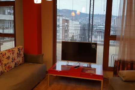 Unique Studio with Terrace -Garden! - Veliko Tarnovo - อพาร์ทเมนท์