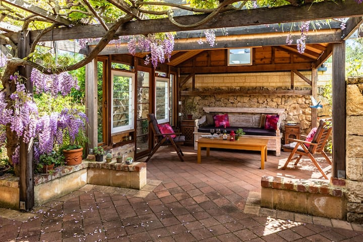 Cosy Lodge Palmyra - Close to Freemantle.