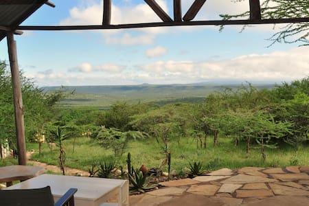 Nyumba Eriko - Rustic Kenyan Bush Home - Kajiado - House