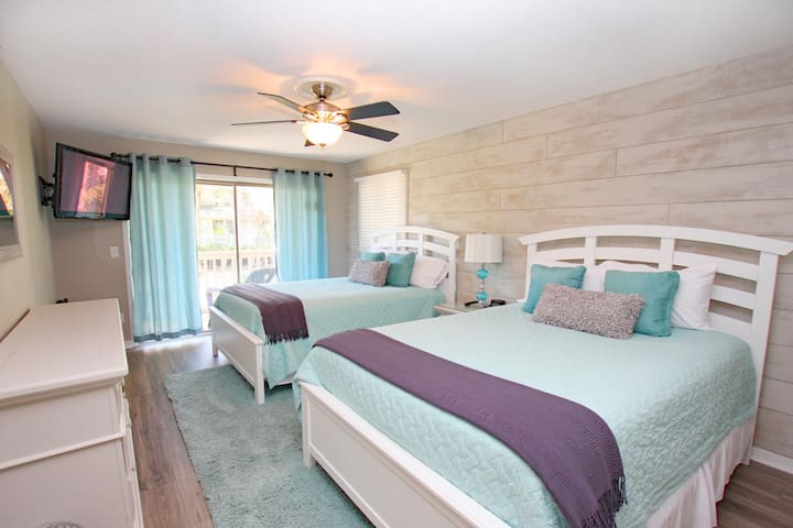 Relax & Enjoy Life! Updated Fresh & Fun Wild Dunes Condo, Pool, Walk to Beach