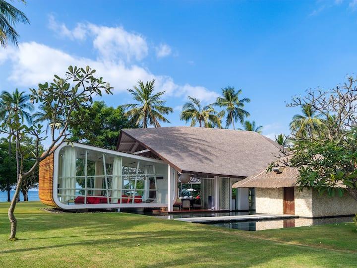 Beachfront Villa Sapi, 6BR, Tanjung w/ chef