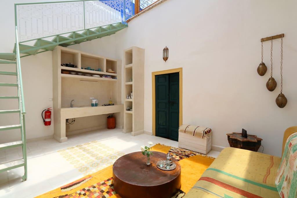 Wohnzimmer mit Küchenecke (living room witch kitchenette)