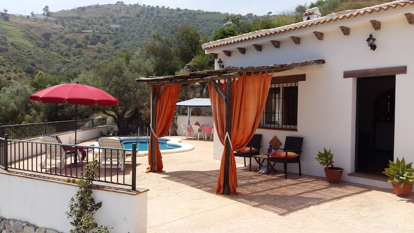3 bed villa with fantastic views