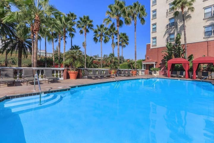 PRIVATE 1 Bedroom 1 Bath APARTMENT/free parking