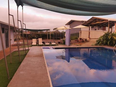 Bolig med adgang til pool