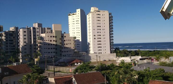 Apto 50m Praia Brava Caiobá PR Brasil. 4 hóspedes.