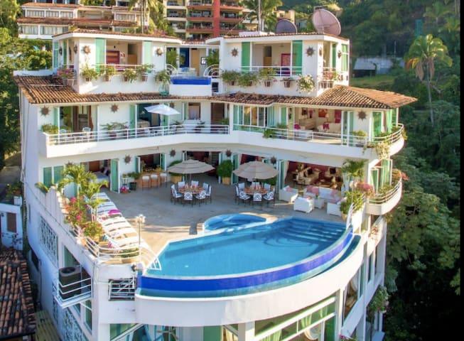 BEST VIEWS LUXURY VILLA YVON UP TO 24 PEOPLES 12 B - Puerto Vallarta - Villa