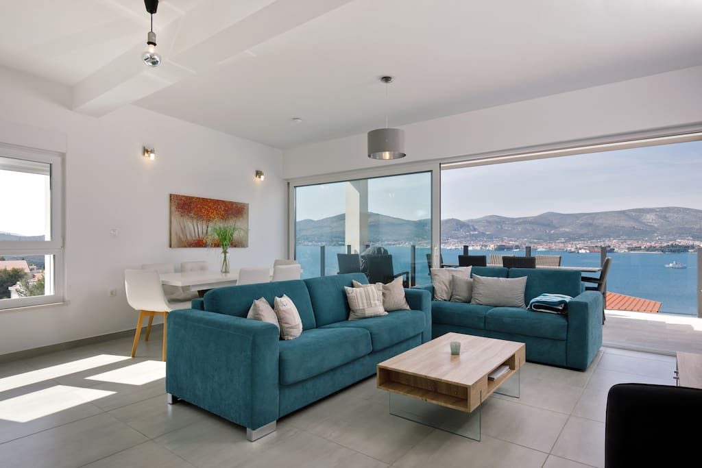 Living room with panoramic view