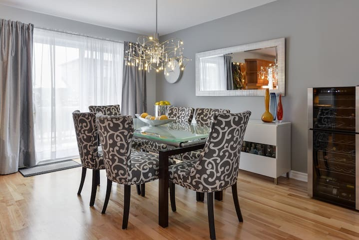 Montreal Candiac Golf Vacation Rental Home