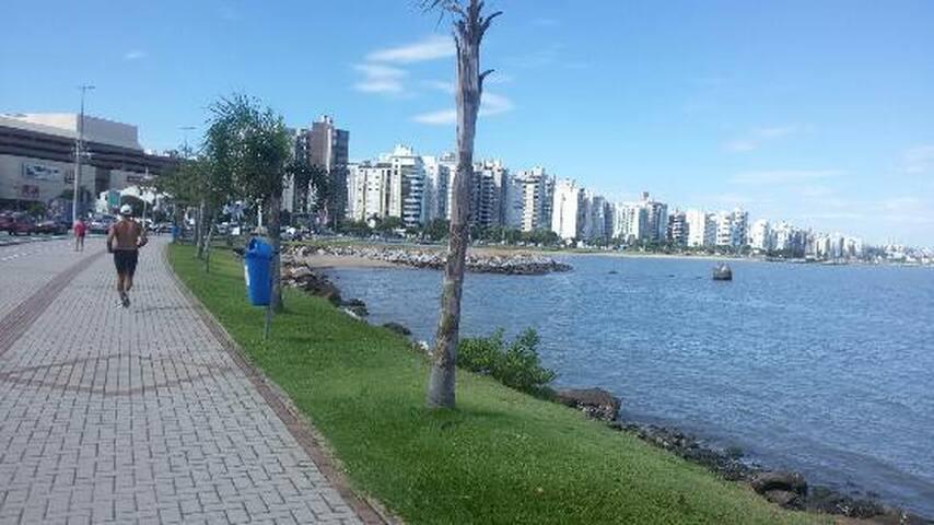 Amplo apartamento ao lado do Shopping Beira Mar - Florianópolis - Apartment