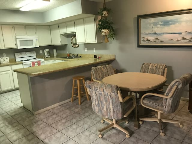 Fully equipped kitchen-click pic