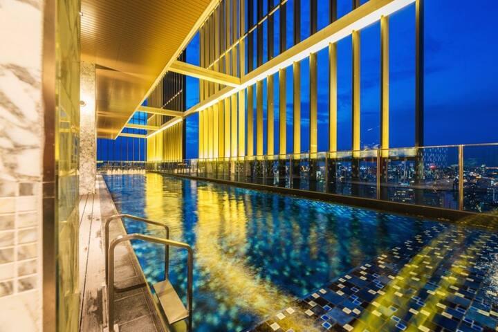 Sukhumvit24 studio Skyview pool gym BTS PhormPhong