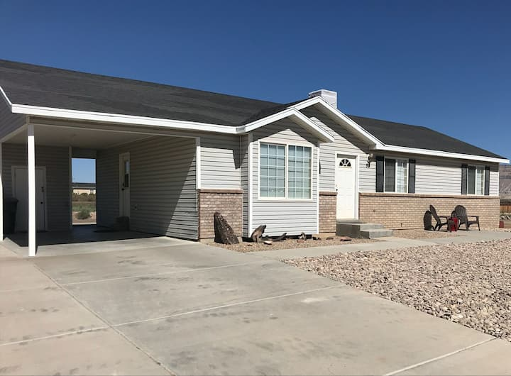 Bright Comfortable Home in Green River, UT