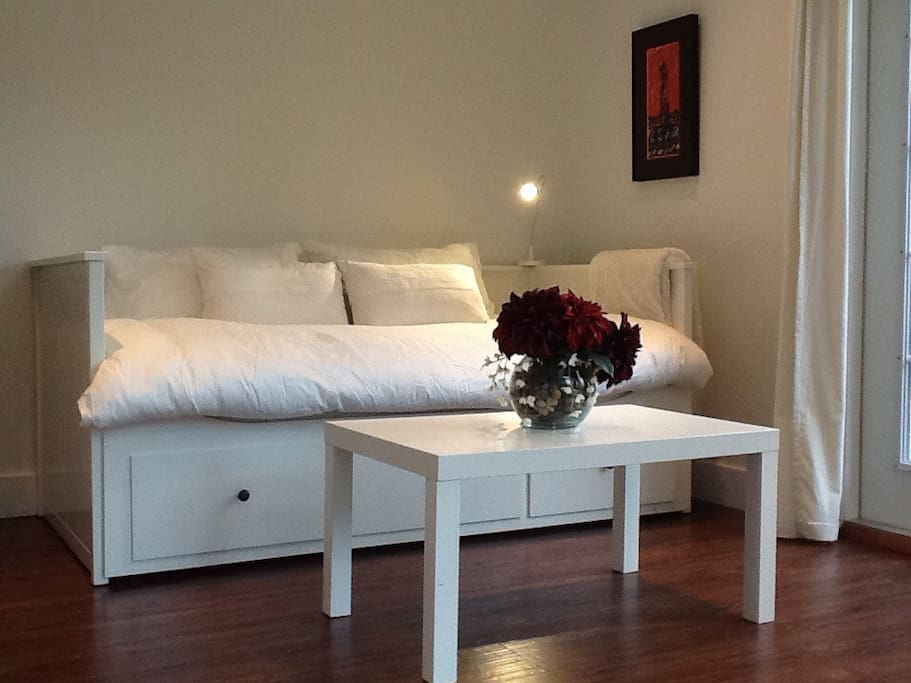 Daybed; easily pulls out to king bed