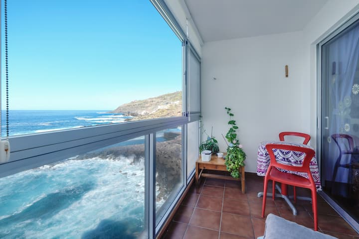 "Charming Apartment ""Apartamento Mesa del Mar"" with Sea View, Mountain View & Terrace"