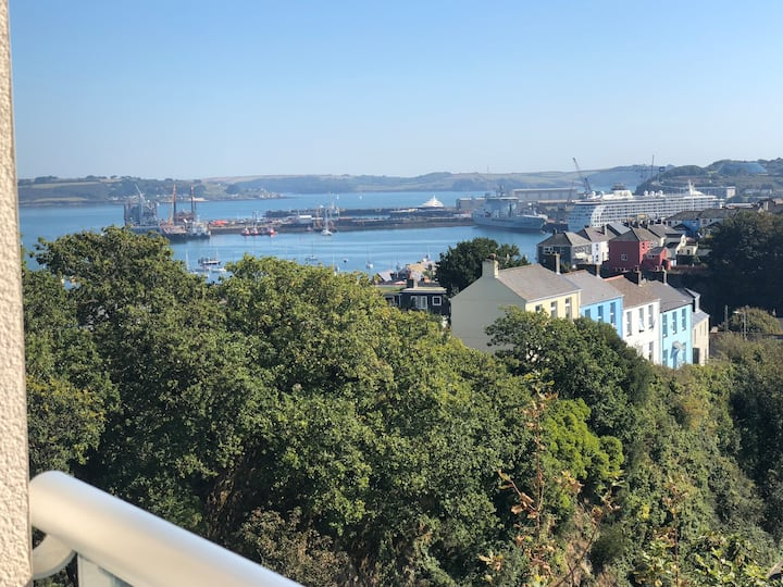 Upperdeck Holiday Apartment Falmouth
