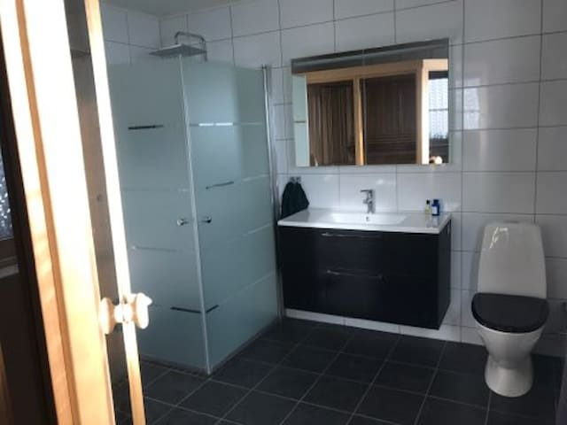 New and fresh private bathroom in the guest area.