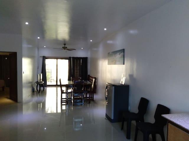 1 bedroom deluxe unit ground-floor & Seaviews