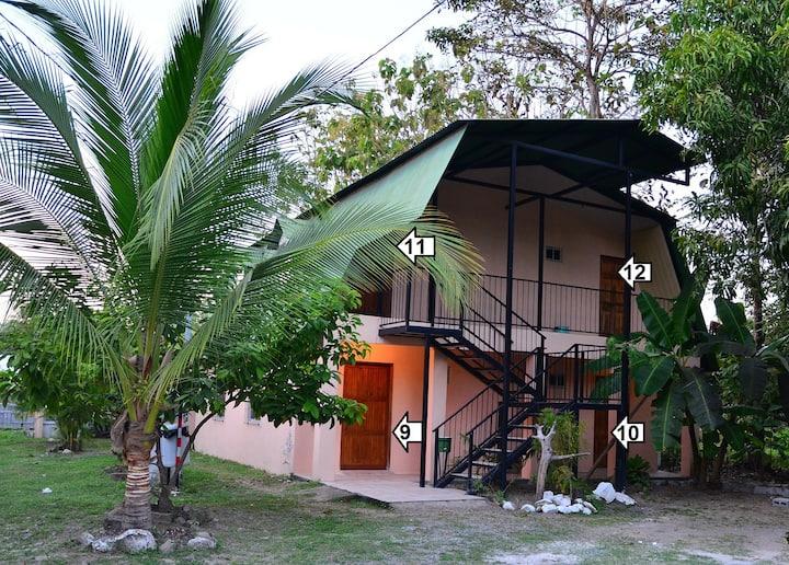 Mapi's Cabins #11 Near Ferry & Beach