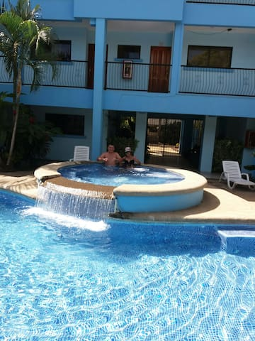 Discount price10 days . Good holiday. Pool. beach