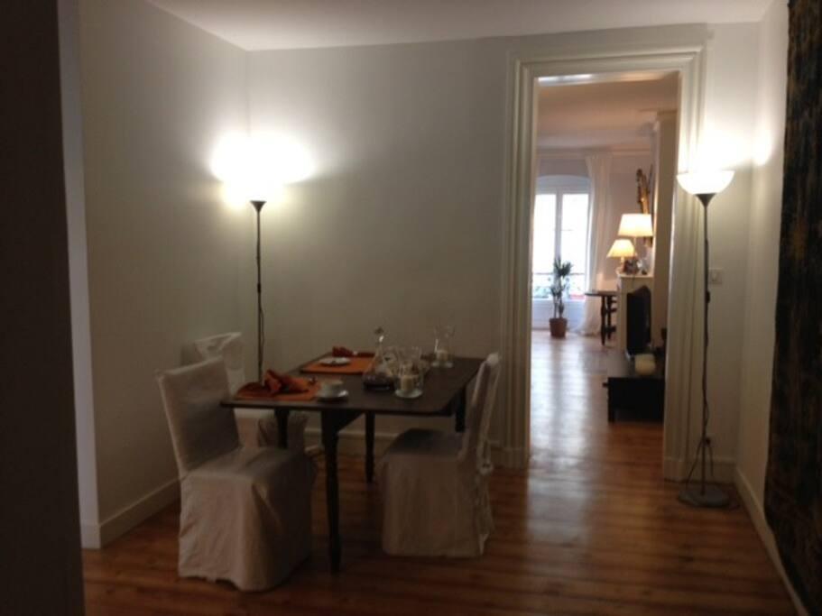 Une salle à manger pour vous accueillir