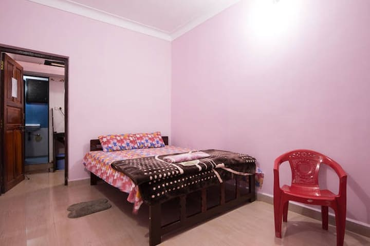 Cozy Ac rooms for a Group max 8 Travelers only : ) - Arambol - Apartment