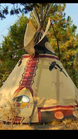 """Raven Song"" A RedEarth AnimalSpirit Tipi"