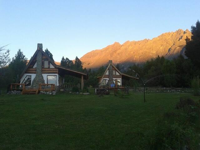 Del Viejo Camino - El Bolson - Cottage