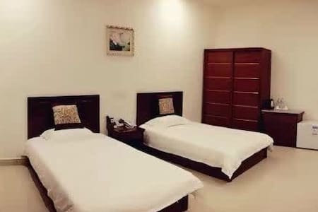 Ensuite Two Beds Room