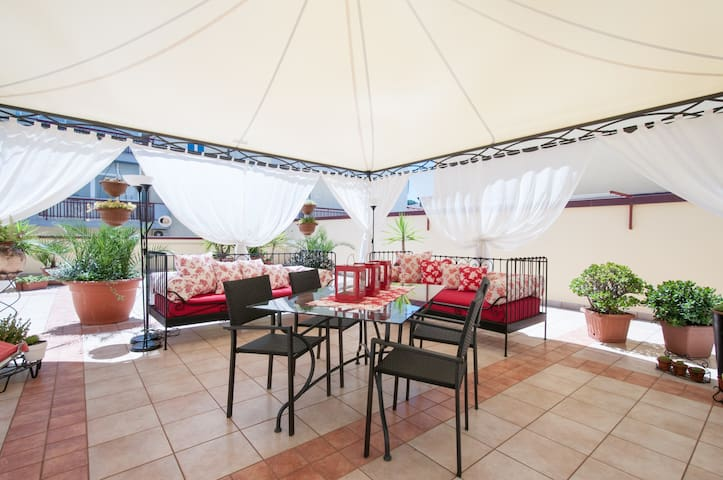 Cozy apartment with a HUGE terrace! - Cassano delle Murge - Apartamento