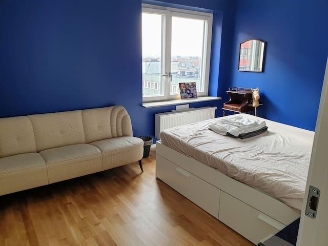 Spacious room in trendiest neighbourhood of Malmö