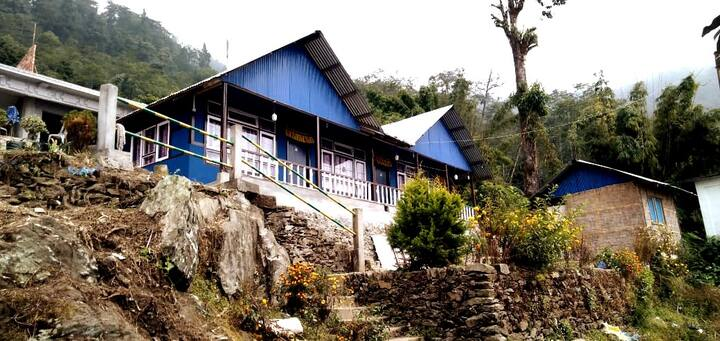 Kalimpong,Home With a Scenic view of kanchanjangha