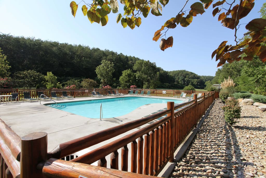 Arden Hill-Resort Outdoor Pool