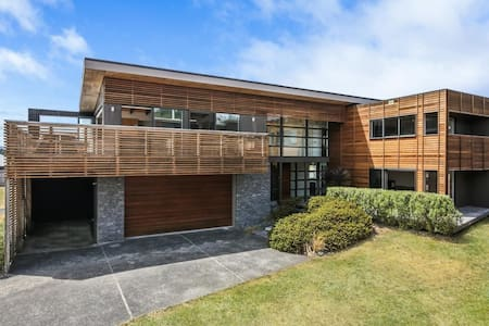 Masterpiece in Motuoapa near Lake Taupo