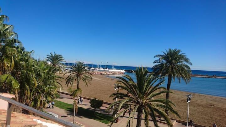 Beachfront Private Villa close to Valencia