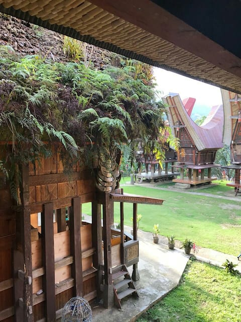 House near Siguntu tourist site ,4km from Rantepao