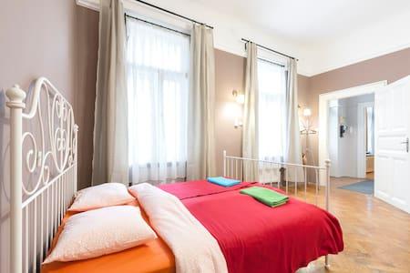 Princess Isabella 2 Bedroom Apartment - Budapeşte - Daire