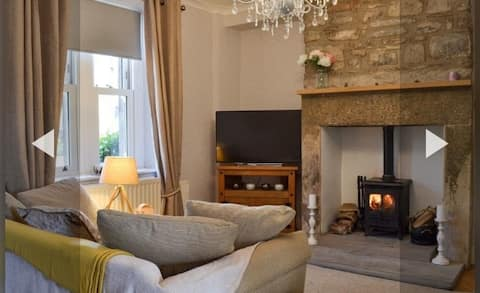 Stunning  Hope Valley cottage - dog friendly!